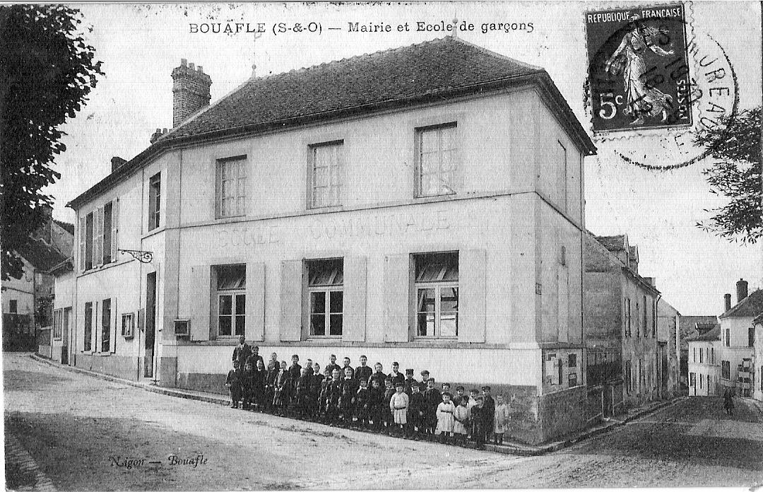 Bouafle-mairie-et-cole-des-garons-vers-1930