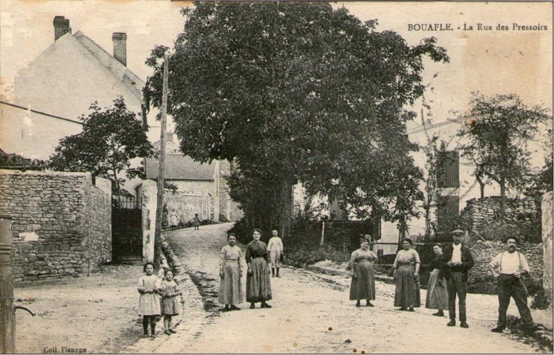 Bouafle-rue-des-Pressoirs-vue-de-la-rue-Trichet
