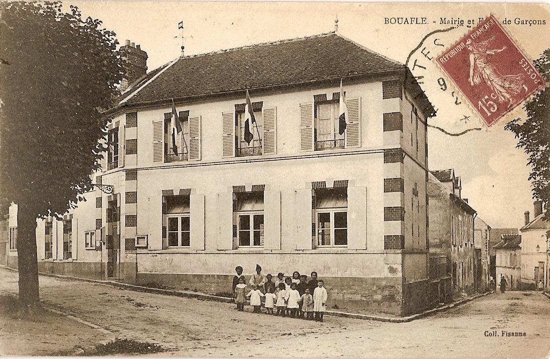 Mairie-et-cole-des-garons